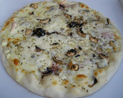 Pizza reine blanche en livraison sur aix en provence for Livraison pizza salon de provence